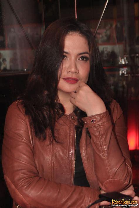 Hamil Muda Lirik Hamil Tua Cornelia Agatha Tetap Til Seksi Kapanlagi Com