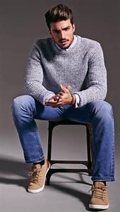 Hemd Pullover Kombination : jugendliche kombination aus jeans hellblauem hemd mit sch nen hellgrauen pullover und sneakers ~ Frokenaadalensverden.com Haus und Dekorationen