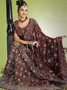 Pakistan Wedding Dressess Mehndi for Men For Girls White ...