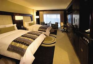 Hotel rooms 1220hsl for Hotel room with sofa bed