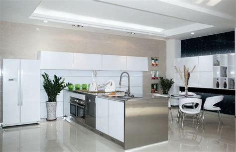 modern kitchen cabinets doors تفصيل مطابخ المنيوم واسع المرسال 7658