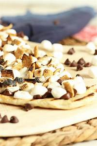 Grilled S'mores Pizza - The Suburban Soapbox