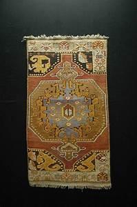 753 best tapistapisseries images on pinterest With tapis oriental avec canapé vintage
