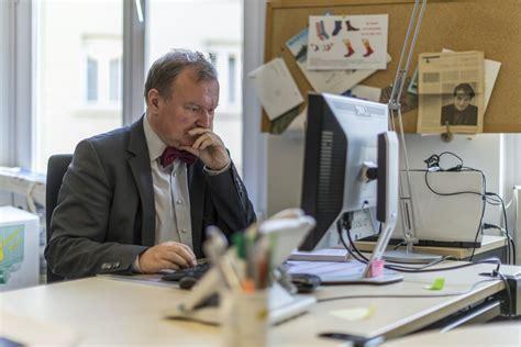 bureau des naturalisations la réforme de la fiscalité des entreprises soutenue par