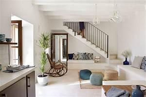 Espacio bajo la escalera - ¡8 ideas para aprovecharlo al