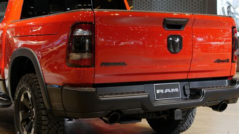 Dodge Truck Tailgate 2020 by 2019 Ram 1500 Adds Split Opening Multifunction Tailgate