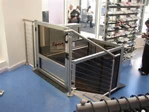 Vertical Wheelchair Platform Lift
