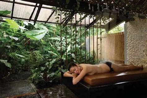 great features that always comes with luxury garden spas