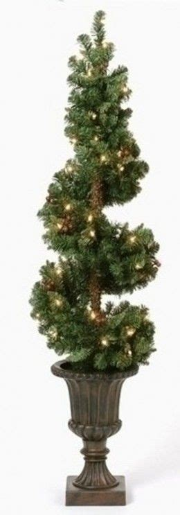 25+ Best Ideas About Christmas Topiary On Pinterest Diy