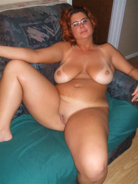 amateur chubby milf tanlines nude