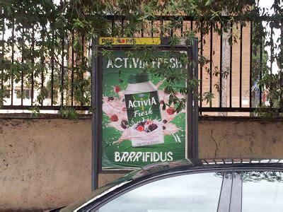Ingresso Villa Ada by Basta Cartelloni Via I Cartelloni Dagli Ingressi Di Villa
