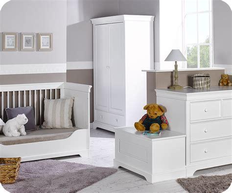chambre de bebe complete chambre bébé complète mel blanche avec armoire