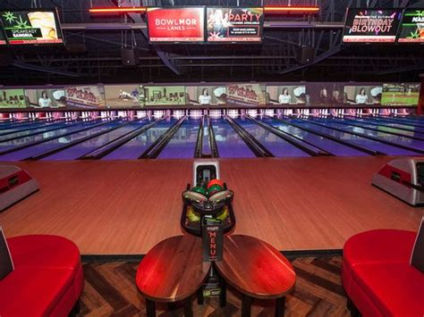 Bowlmor: It's not your father's bowling alley