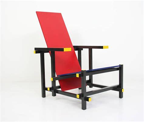la chaise et bleue chaise et bleue