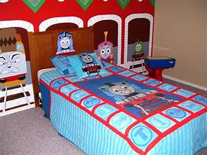 Thomas the train bedroom with mural murals thomas the for Thomas the train bedroom ideas
