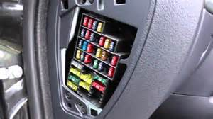 Renault Clio 2 Interior Fuse Box Location - YouTube