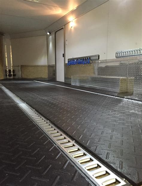 The flooring is chemically resistant to gasoline, diesel, antifreeze, acids, oil, transmission fluid, cleansers and other chemicals. Enclosed Snowmobile Trailer Flooring Ideas | Floor Matttroy