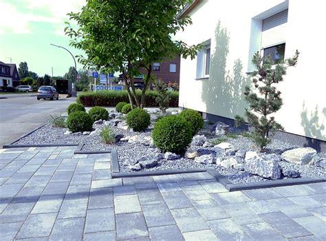 gartengestaltung neue ideen pflegeleichte vorgartengestaltung mit gräsern bux und felsen
