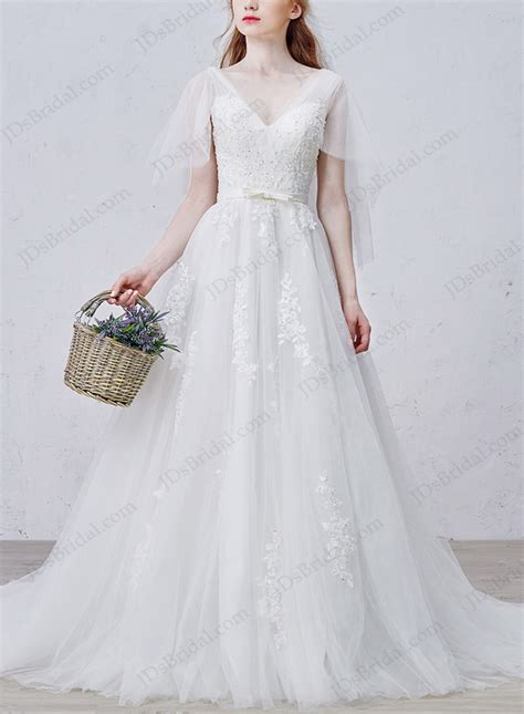romance sheer tulle flappy sleeves  neckline
