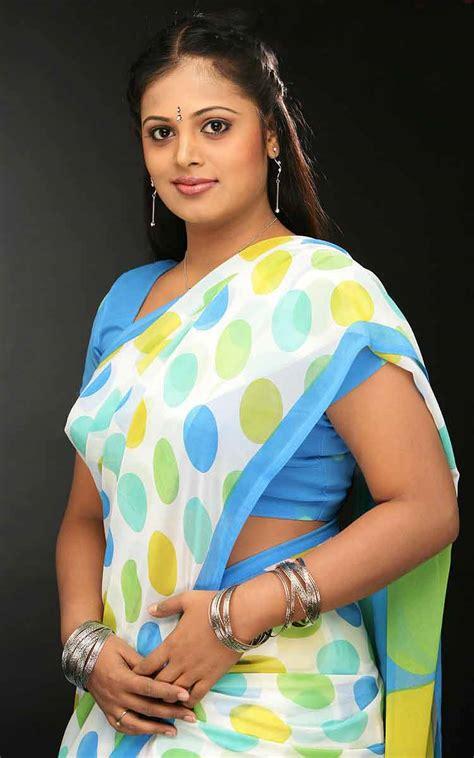 Sindhu Menon Images