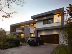 Stunning Canadian Style At Home Ideas by Awarded Contemporary Home With Beautiful Garden In Toronto
