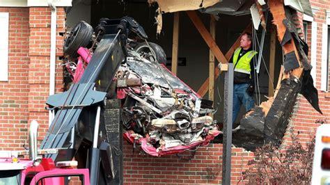 dead  porsche crashes  buildings  floor