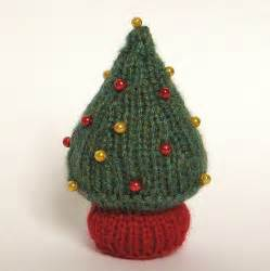 the best collection of free christmas knitting patterns