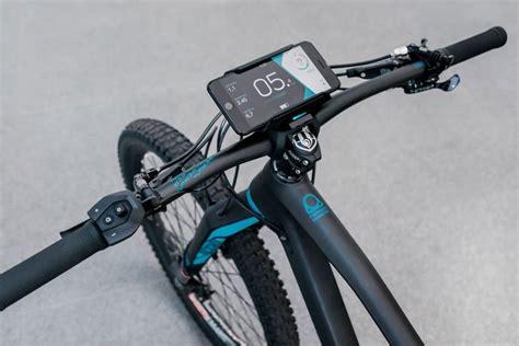 handyhalterung fahrrad mit ladefunktion cobi der smarte bordcomputer mit beleuchtung f 252 r ihr pedelec e motion e bike experten