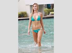 Stunning Joanna Krupa sizzles in aqua blue bikini as she