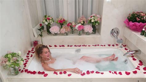 Flower Bath V Fashion World