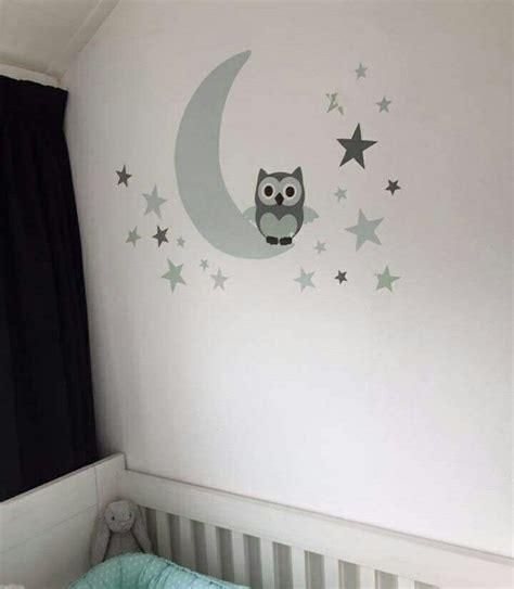 muursticker babykamer muursticker babykamer maan met uil en sterren in het