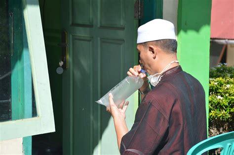 Visit your state's vaccine dashboard to learn more about their distribution guidelines. Yayasan Waqaf Ar Risalah Padang sudah memiliki alat pendeteksi Covid-19, GeNose.