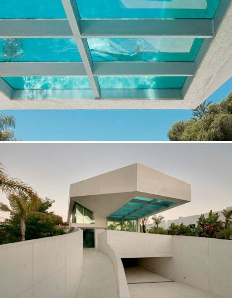 pool mit glasboden coolest pools 15 enviable modern swimming spots non moving objects house glass floor und