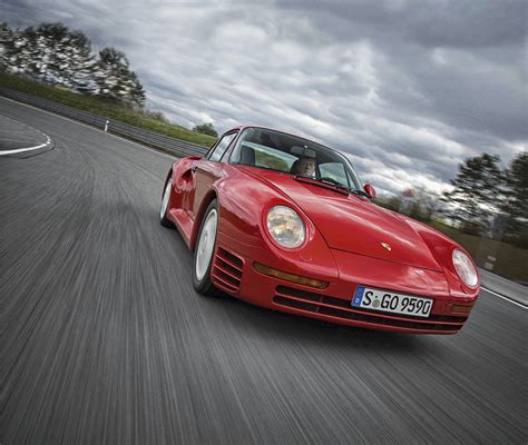ON YOUR MARQUES: TOP 15 FASTEST CARS EVER - Motor Magazine