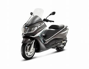 Piaggio X10 350 : can you ride a piaggio x10 350 with an a2 licence ~ Medecine-chirurgie-esthetiques.com Avis de Voitures