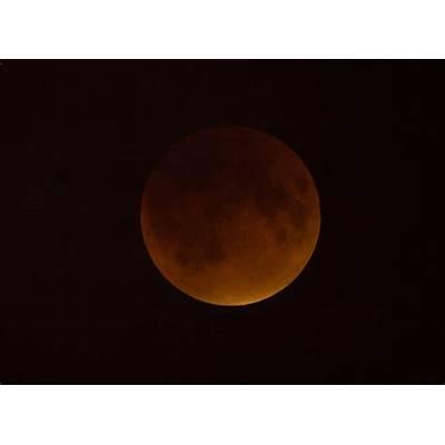 Rare 'Supermoon' Total Lunar Eclipse Thrills Skywatchers