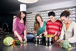 Höhe Arbeitsplatte Küche : k che f r die richtige ergonomie sorgen ~ Markanthonyermac.com Haus und Dekorationen