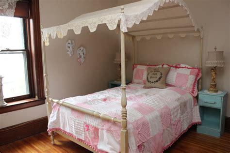 Full Size Canopy Bed Decofurnish
