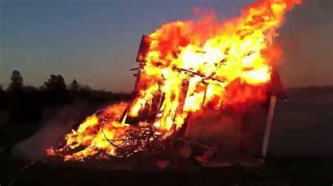 huset brinner  brasan house  fire valborg youtube