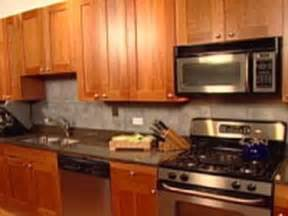 Easy Kitchen Backsplash Ideas The Pros And Cons Of Vinyl Tile Flooring Ideas Installation Tips For Laminate Hardwood