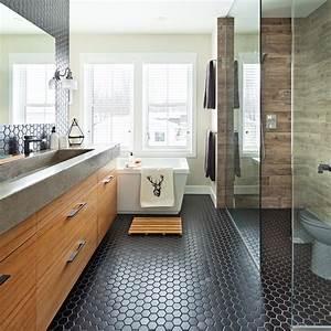 La Salle De Bain : heureux contrastes dans la salle de bain salle de bain ~ Dailycaller-alerts.com Idées de Décoration