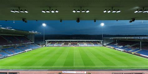 City kërkon çerekfinalen e Carabao Cup kundër Burnley ...