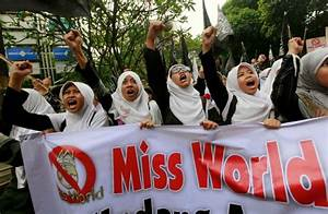 Muslim Women in Indonesia Protest Against Miss World 2013 ...