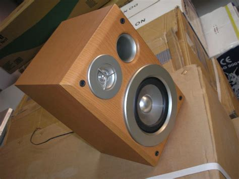 kotak speaker aktif terbaik sealed box atau bass reflex box