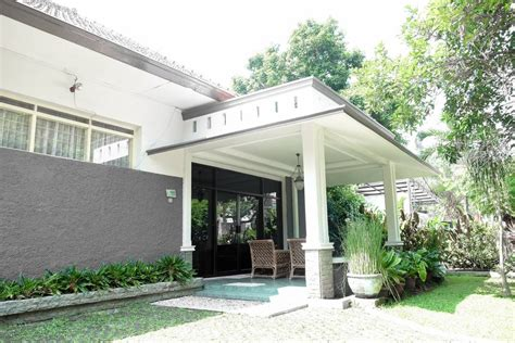 Houses For Rent In Kota Bogor, Jawa Apron Style Kitchen Sinks Stainless Steel Double Bowl Popular Sink Undermount Unclogging The What Is Best Gauge For Granite How To Remove Faucet From