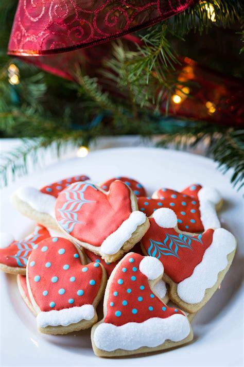 christmas cookie decorating tutorial  hat  mitten