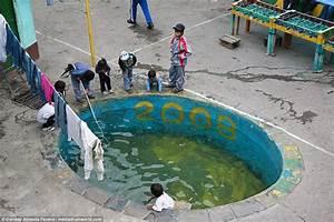 Inside Bolivia's brutal San Pedro prison in La Paz | Daily ...