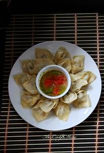 Momo – Nepali style steamed dumplings with hot tomato