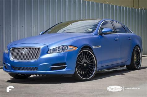 jaguar xj   blue metallic vinal wrap    black