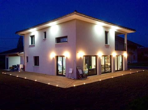eclairage de terrasse exterieur eclairage exterieur maison contemporaine avec ladaire
